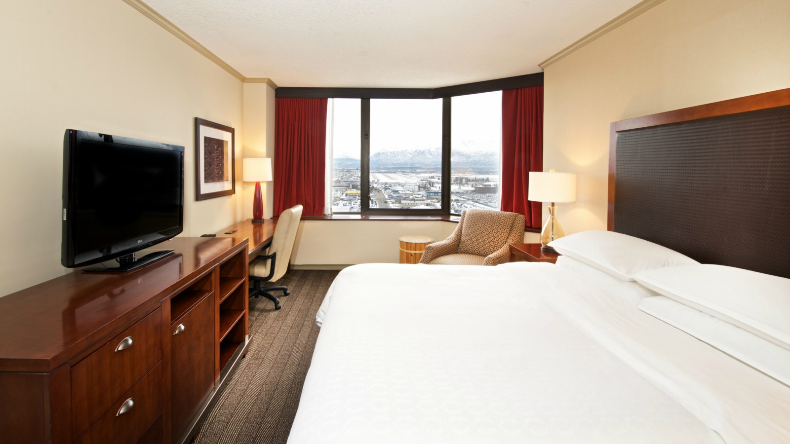 Sheraton Anchorage Hotel and Spa King Guest Room